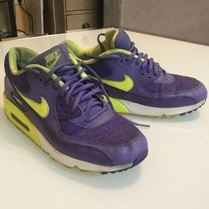 Nike Femme  Chaussures  Sneakers Color Violet on Poshmark